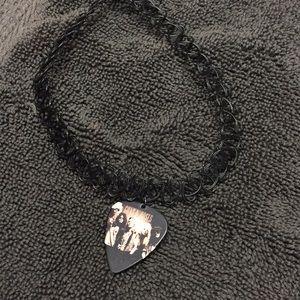 Jewelry - Guns N' Roses guitar pick choker